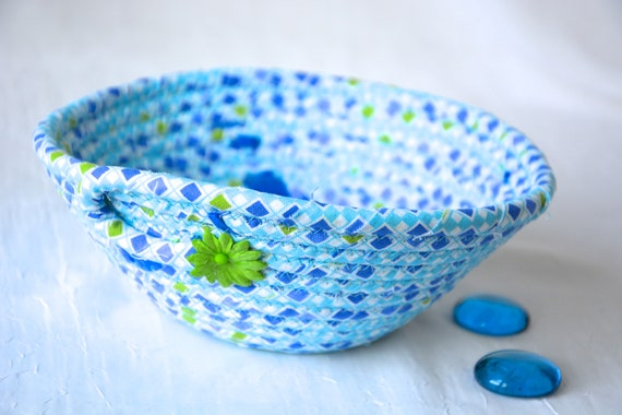 Blue Key Tray, Cute Picnic Bowl, Handmade Country Blue Basket, Cornflower Ring Dish, Dresser Bowl, Catchall, Jewelry Tray