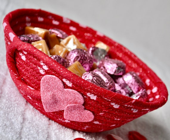 Valentine's Day Gift Basket, Red Key Bowl, Handmade Candy Dish, Potpourri Basket, Candle Holder, Change Bowl, Cute Valentine Home Decor