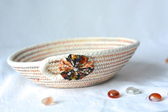 Cute Desk Accessory Bowl, Handmade Gift Basket, Lovely Ring Dish Tray, Fall Decoration, natural rope basket, clothesline bowl