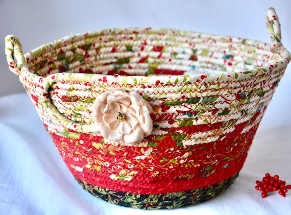 Red Holiday Bowl, Christmas Napkin Holder, Handmade Fruit Bowl, Christmas Card Basket, Holiday Bread Basket, Quilted