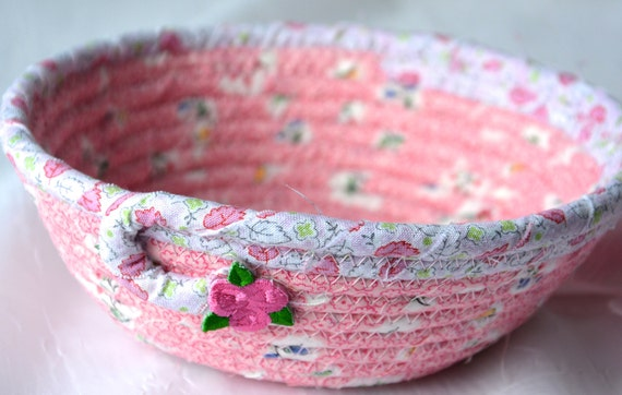 Mother's Day Gift, Pink Ring Basket, Candy Dish, Girl Party Favor Gift, Bling Catcher, Handmade Pink Bowl, Cute Desk Accessory Bowl
