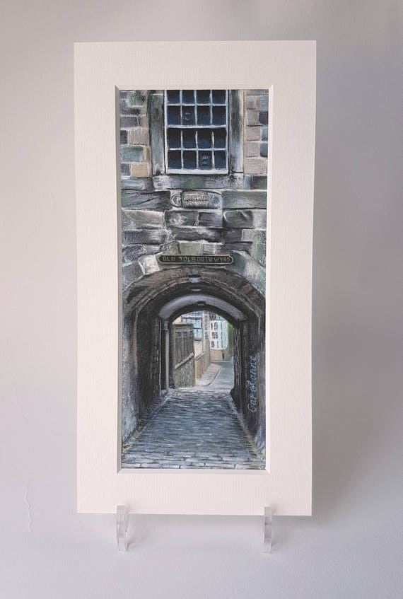 Old Tolbooth Wynd Close, Edinburgh giclee print by Carolanne Jardine.  Quality print depicting Old Tolbooth Wynd in Edinburgh's old town.