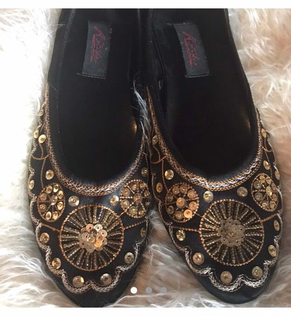 Size 9 Sequin Embroidered Ballet Flats Exotic Bell