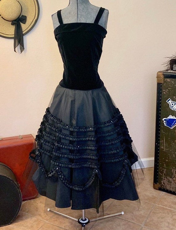 Beautiful 1950's Black Velvet and Tulle Skirt Part