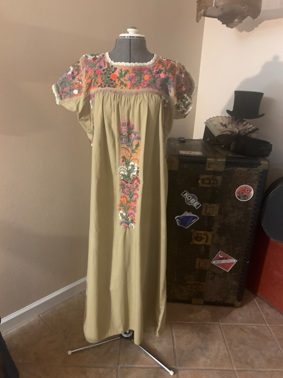 Traditional Mexican Peasant Dress