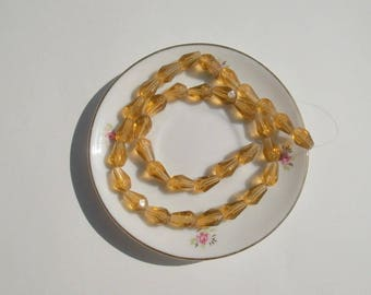 Faceted glass drop 211 - Set of 10 beads