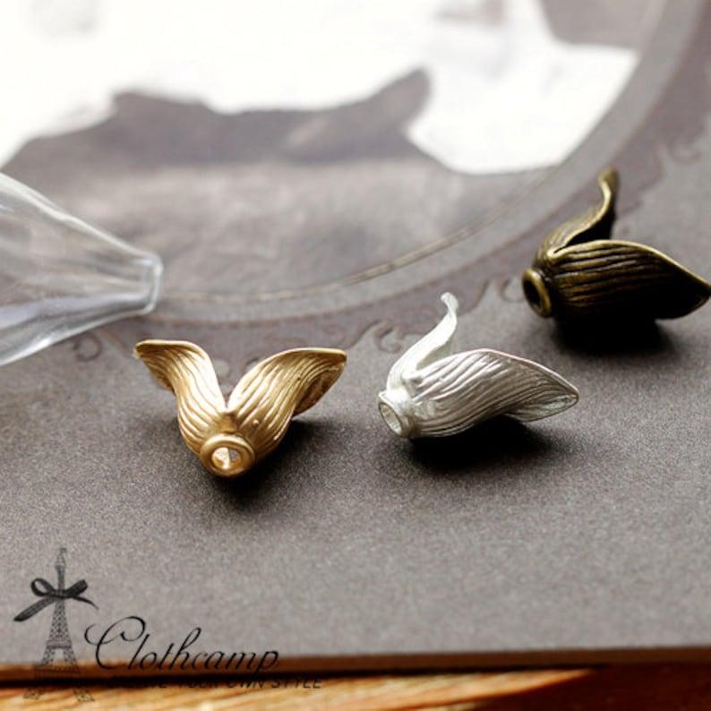 5PCS Clear Teardrop Glass Bulb Glass Teardrop Bottle CURVE Base with matt gold matt silver Antique Bronzed Flower Cover