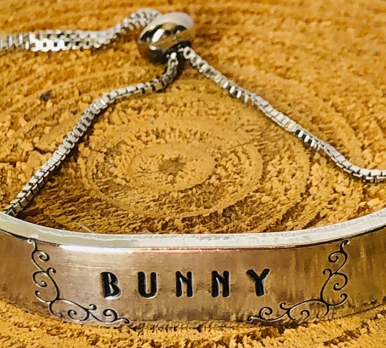 Customized Hand Stamped Bracelet Sliding Bolo Style Silver Color Gift For Mom Mother/'s Day Custom Personalized BUNNY Metal Box Chain