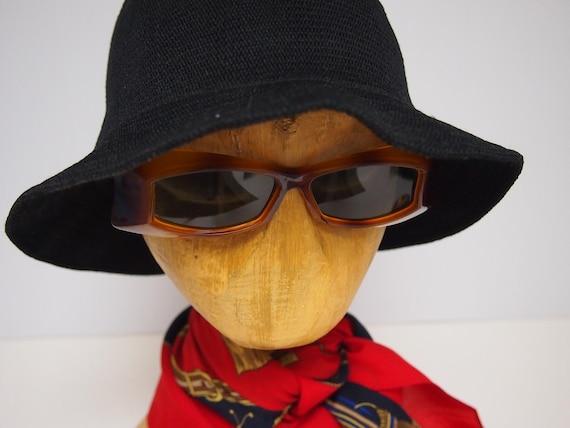 Vintage 1970s brown toroiseshell sunglasses
