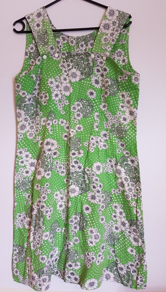 Vintage 1970's lime green & white day dress