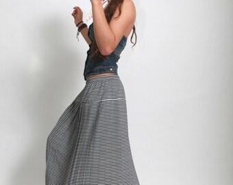 Vintage 1980s Black White pleated striped skirt