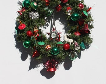 vintage christmas wreath retro vintage ornaments bubble lights light up wreath hand crafted hand made mid century modern style wreath ooak