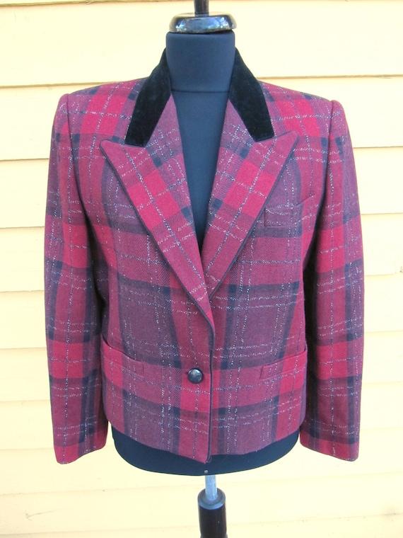 Red Plaid Sasson Jacket Blazer Velvet Collar Size… - image 1