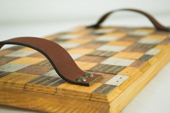 Modèle de vérificateur en bois servant de plateau rustique cuisine et salle à manger Decor éléments naturels bois Ottoman TV plateau Table d'ordinateur portable en détresse