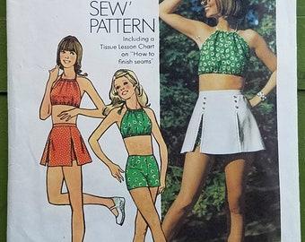 c6d2416a0 Vintage Simplicity 5582 Halter Top, Short Shorts, Mini-Skirt Size 10 Bust  32-1/2