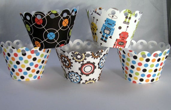Scalloped Cupcake Wrappers, Robot Themed Scalloped Cupcake Wrappers
