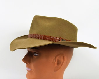 8cef9726ee052 Vintage Akubra Hat In Olive Green Wool with Braided Leather Band Size 58  Australian Outback