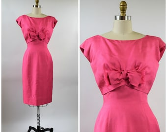 1950s PINK Silk Dress with Bow Size Small Fitted Wiggle Dress Short Sleeve Boat Neck Cocktail Date Night Bombshell Pinup