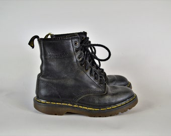 147f996ad8f7 Dr Marten Boots Black Leather Chunky Ankle Boots Size 4 UK US 6 Doc Martens  Air Cushion Soles Made in England 90s Grunge Hipster