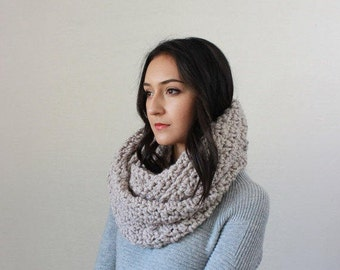 The Bourdon - LINEN // Chunky Infinity Scarf. Knit Textured Chunky Cowl