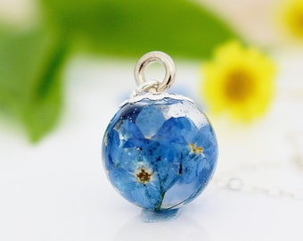 Forget me Not Necklace, Flower Jewellery, Gifts for Her, Blue Necklace, Resin Jewelry, Memorial Jewellery, Inspirational Necklace