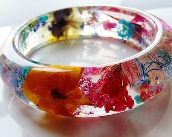 Flower Resin Bangle, Eco Friendly Resin Bracelet, Pressed Flower Jewelry, Rainbow Flower Bangle, Gift for Her