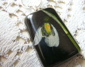 Resin Pendant, Pressed Snowdrop Necklace, Dried Flower, Gift for Her, Jewelry for Women