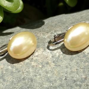 Dainty Wedding Wear Oval Earrings Flower Girl Earrings Costume Jewelry 1950s June Birthday Gift Faux Pearl Clip Ons Bridal Bridesmaids
