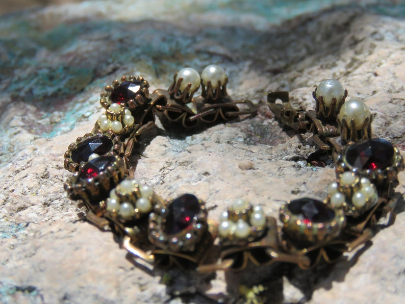 Vintage Copper Vintage Costume Jewelry Mother/'s Day Gift Copper Chain /& Link Bracelet with Garnets and Faux Pearls Southwestern Wear