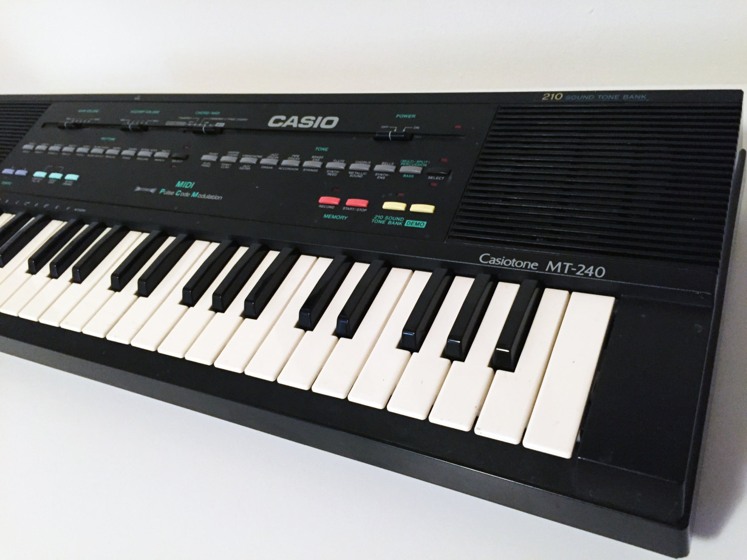 Vintage Casio Mt 240 Keyboard Midi Synthesizer Circuit Bending Etsy Theremincircuit