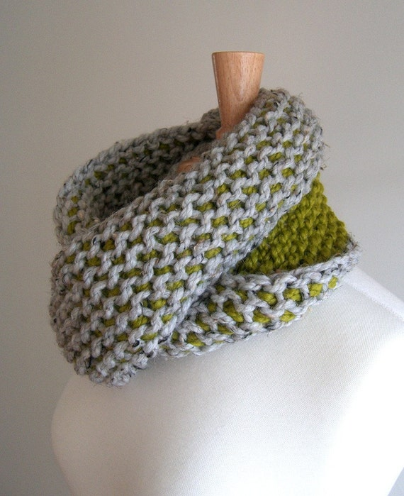 Chunky Circle Loop Scarf Lemongrass And Gray Tunisian Etsy