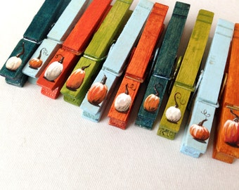 FALL PUMPKIN CLOTHESPINS hand painted magnetic pegs Thanks giving place card holder