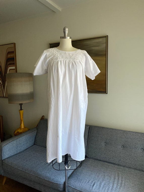 Vintage White Cotton Embroidered Dress / Summer D… - image 1