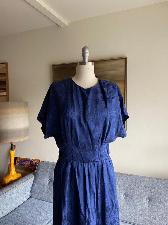 Vintage Navy Silk Shirt Dress / Cinched Waist Dre… - image 4