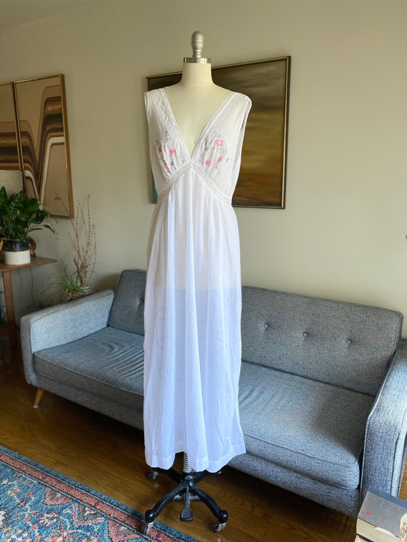 Vintage Embroidered Nightgown, Floral Embroidery,