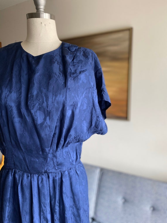 Vintage Navy Silk Shirt Dress / Cinched Waist Dre… - image 2