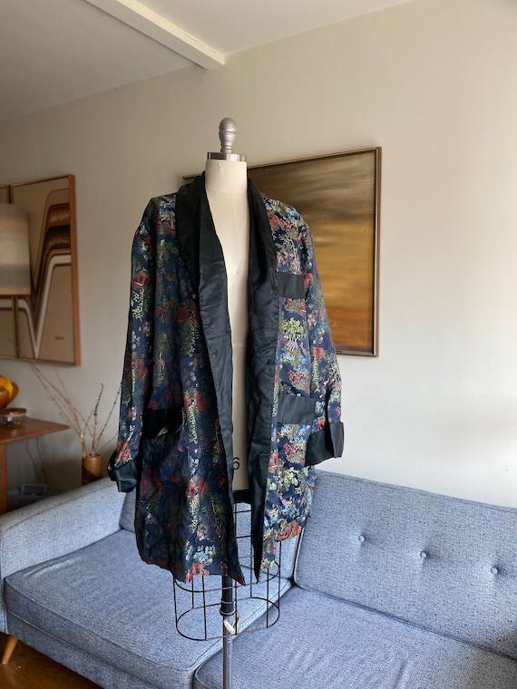 Vintage Brocade Chinese Robe / Jacquard Coat