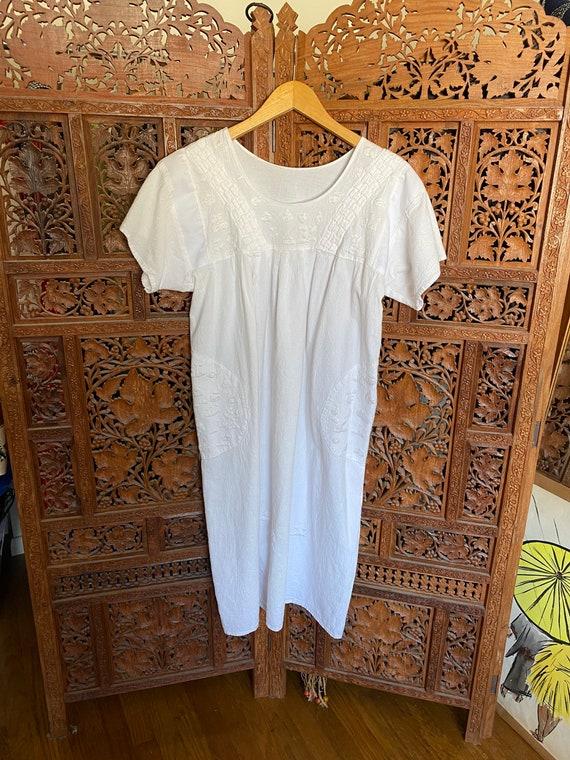 Vintage White Cotton Embroidered Dress / Summer D… - image 2