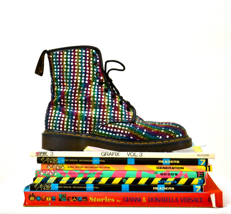 21f872e87c7815 Amazing 90s Metallic Silver Rainbow Dr Martens Boots Size 9 9