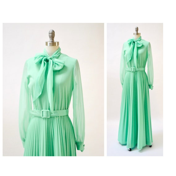 70s Vintage Sea foam Green Long Maxi Dress Medium