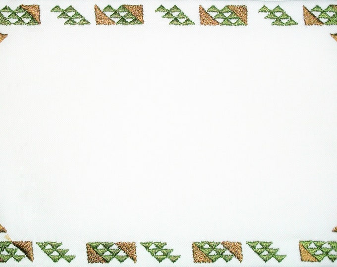 Evergreen Tree of Life embroidered quilt label, to customize with your personal message
