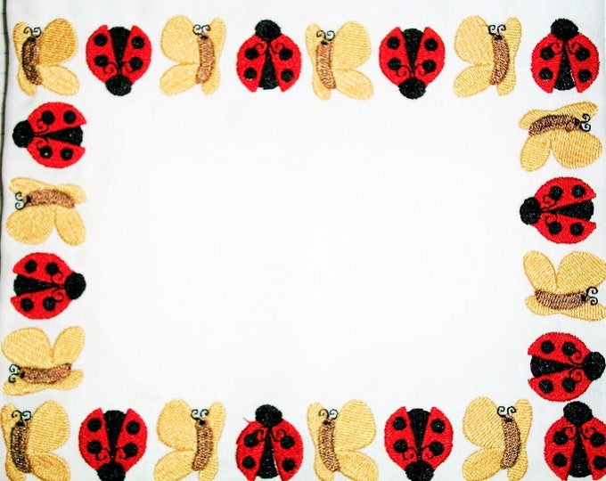 Ladybugs & Butterflies embroidered quilt label, to customize with your personal message