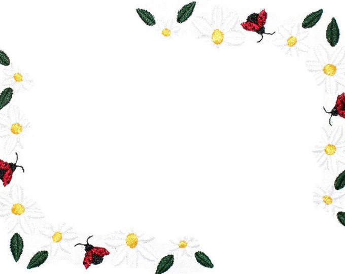 Daisies and Ladybugs embroidered quilt label to customize with your personal message