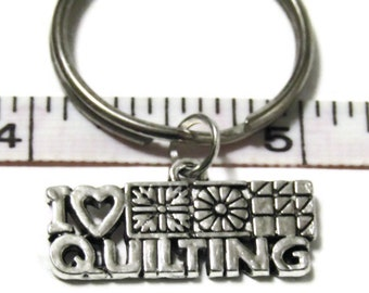 I love Quilting - Key chain quilter gift with patchwork details