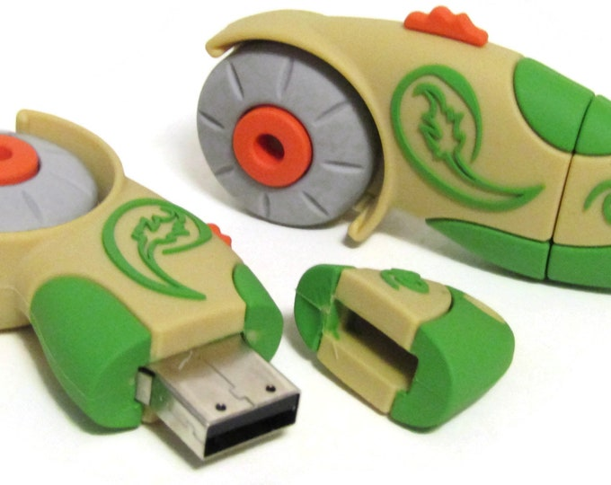 Rotary Cutter 4GB USB Stick for storing your embroidery machine files and quilting files