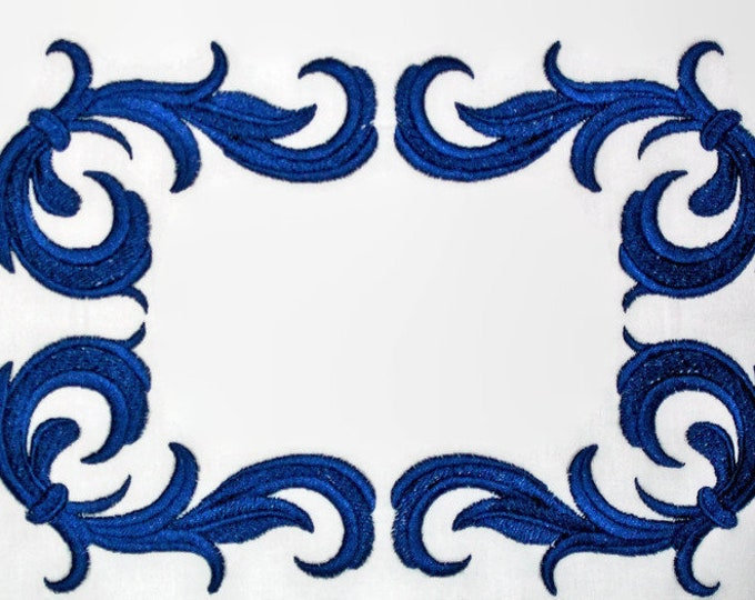 Bold navy filigree embroidered quilt label to customize with your personal message