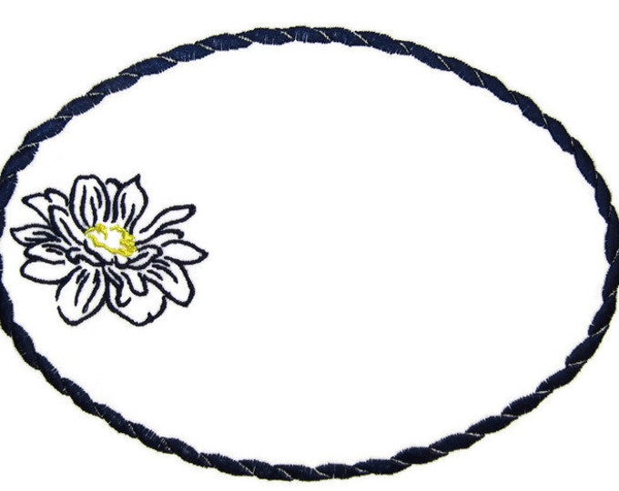 Dahlia Outline embroidered quilt label to customize with your personal message