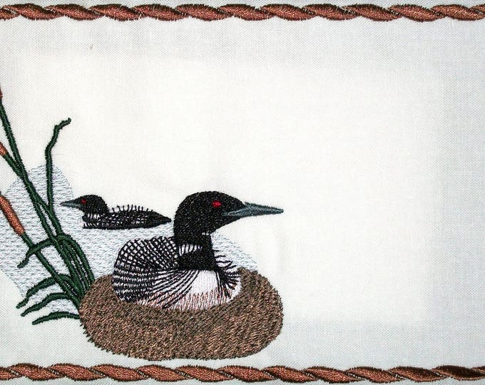 Nesting Loon embroidered quilt label, to customize with your personal message