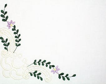 Filigree scroll with greenery floral embroidered quilt label, to customize with your personal message