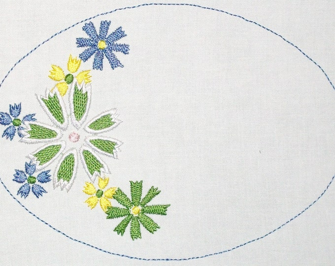 Floral embroidered quilt label to customize with your personal message